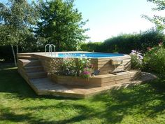 Boisylva Aquitaine Multiservices - Construction Bois - Piscine Bois - Quelques exemples en Gironde - You are in the right place about square pool ideas Here Backyard Pool Designs, Small Backyard Pools, Backyard Patio, Backyard Landscaping, Landscaping Edging, Above Ground Pool Landscaping, Above Ground Pool Decks, In Ground Pools, Pool Fence