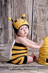Bumble Bee Suit-Newborn to 11 yrs (Bug Suit) By Boomer Beanies - Free Crochet Pattern - (ravelry) Crochet Baby Props, Crochet Baby Costumes, Crochet Photo Props, Crochet Baby Cocoon, Crochet Baby Clothes, Newborn Crochet, Baby Bee Costume, Crochet Gifts, Cute Crochet