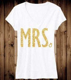 Glitter V-neck MRs shirt Bridal Shirts, Wedding Shirts, Chic Wedding, Our Wedding, Dream Wedding, Mrs Shirt, Culottes, To Infinity And Beyond, White V Necks