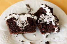 Oreo cookie cupcake.  Get Creative With Cupcakes-3097