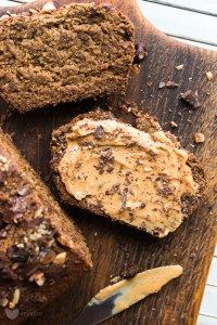 The easiest vegan banana bread without flour. Vegan Sweets, Healthy Sweets, Healthy Baking, Vegan Food, Sweet Recipes, Cake Recipes, Snack Recipes, Cooking Recipes, Healthy Candy