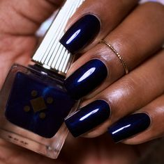 In seek out some nail styles and some ideas for your nails? Here's our list of must-try coffin acrylic nails for fashionable women. New Nail Polish, Nail Polish Colors, Dark Skin Nail Polish, Garra, Fun Nails, Pretty Nails, Navy Blue Nails, Metallic Nails, Acrylic Nails