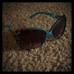 Women's Leopard Print Sunglasses Like new! No scratches, no wears! Accessories Sunglasses