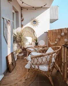 11 Boho Balcony Ideas That Are Staycation Goals Small Balcony Design, Small Balcony Garden, Small Balcony Decor, Small Patio, Balcony Ideas, Small Balconies, Patio Ideas, Balcony Grill, Garden Ideas