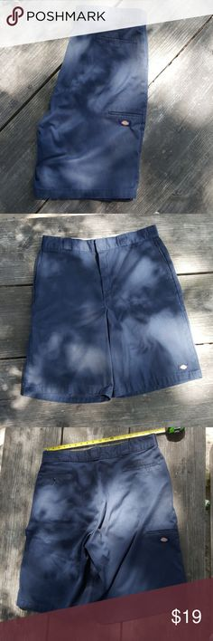 40 Dickies navy blue loose fit shorts cholo Dickies navy blue loose fit cholo shorts size 40. Very good condition Dickies Shorts