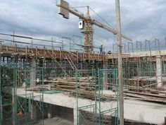 There are several types of construction contract used in the construction industry depending on the level of control from parties involved in terms of investment, responsibilities and duration.