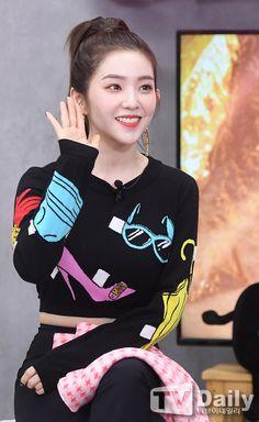 Red Velvet アイリーン, Irene Red Velvet, Kpop Girl Groups, Korean Girl Groups, Kpop Girls, Korean Tv Shows, Redvelvet Kpop, Bae Suzy, Soyeon