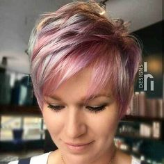 Latest Trend Hair Color Ideas for Short Hair – The UnderCut Short Hairstyles For Thick Hair, Short Pixie Haircuts, Pixie Hairstyles, Hairstyles With Bangs, Short Hair Cuts, Curly Hair Styles, Cool Hairstyles, Looks Chic, Cool Hair Color