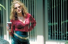 """""""Erin Brockovich"""" movie still, 2000.The first of four films that Julia Roberts was directed by Steven Soderbergh."""