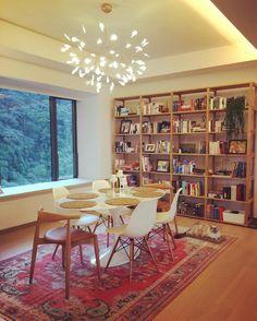 Heracleum by Bertjan Pot via Moooi   www.moooi.com   #diningtable #lighting #design #interior #white #wood #diningroom