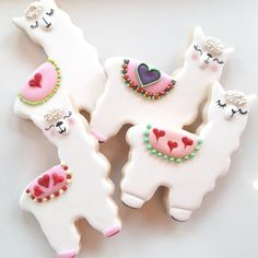 Discover recipes, home ideas, style inspiration and other ideas to try. Valentine's Day Sugar Cookies, Sugar Cookie Royal Icing, Iced Cookies, Cute Cookies, Easter Cookies, Cupcake Cookies, Fondant Cookies, Cupcakes, Valentines Day Cookies