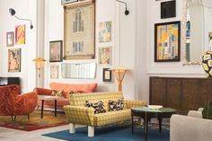The interior design style of this luxury hotel lobby features an open living room layout layered with a combination of vintage and contemporary furniture, art from San Francisco's . Tap the pin for more hotel room aesthetic by interior designer Kelly Wearstler. Property Design, Design Hotel, Studio Design, Studio Mcgee, Kelly Wearstler, Grande Armoire, Interior Decorating, Interior Design, Hospitality Design