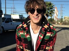 "Scottish singer/songwriter Paolo Nutini wears Montblanc sunglass style from Marcolin in his latest single's music video ""Scream (Funk My Life Up)"". Beautiful Men, Beautiful People, Paolo Nutini, Paisley, Etnia Barcelona, Celebs, Celebrities, Attractive Men, My Favorite Music"
