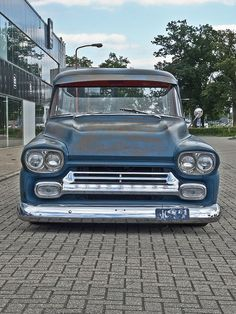 Chevrolet Apache - Love that Grille! Bagged Trucks, Trucks Only, Hot Rod Trucks, Gmc Trucks, Cool Trucks, Pickup Trucks, Cool Cars, Chevrolet Trucks, 1959 Chevy Truck