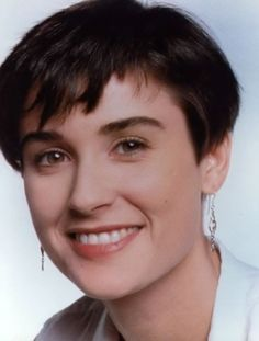 Perfect Demi Moore  Short Hair