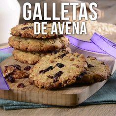 Estas deliciosas galletas son la mejor opción de snack o para desayunar. Son unas saludables y ricas galletas que están hechas a base de avena y se complementan con frutos secos que las llenan de sabor. Mexican Food Recipes, Sweet Recipes, Cookie Recipes, Dessert Recipes, Soup Recipes, Buzzfeed Tasty, Savoury Cake, Cookies Et Biscuits, Keto Cookies