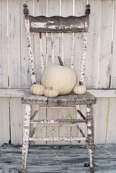 still life. / I Heart Shabby Chic: Chippy / Chipped White Paint Inspiration