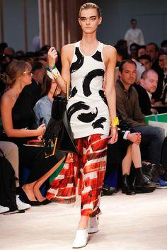 Céline Spring 2014 Ready-to-Wear Fashion Show - Brogan Loftus (NATHALIE)
