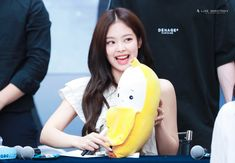 JENNIE 190630 blackpink photobook limited edition fansign Kim Jennie, South Korean Girls, Korean Girl Groups, Blackpink And Bts, Female Singers, Yg Entertainment, Pop Group, Photo Book, My Girl