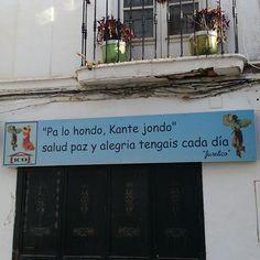 """""""Pa lo hondo, kante jondo""""."""