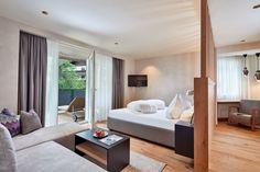 Die neue Auszeit Suite für 2 - 5 Personen (47 m²) Divider, Bed, Room, Furniture, Home Decor, Double Room, Time Out, Porches, Bedroom