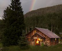 Colorado Luxury Resort    Luxury Resorts....another bucket list, all inclusive cabin resort, rustic place with luxury included!!