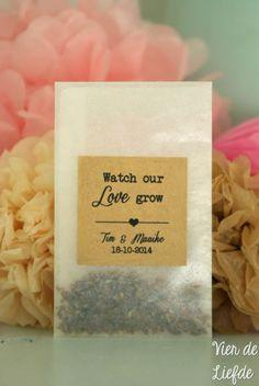 Stickers voor bedankjes - Watch our love grow