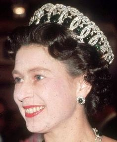 Tiara Mania: Grand Duchess Maria Pavlovna of Russia's Vladimir Pearl Drop Tiara worn by Queen Elizabeth II of the United Kingdom