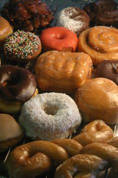 friends DON't LET friends EAT craPPy donuts , GO grand OR not @ all
