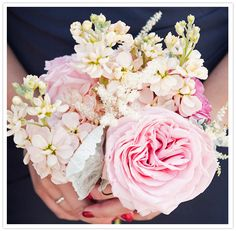 texture: large bloomed pink peony bouquet