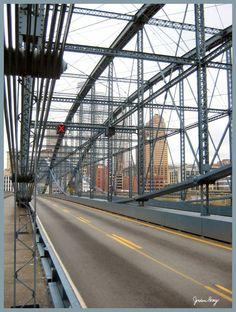 Pittsburgh Bridge by jojousa.deviantart.com