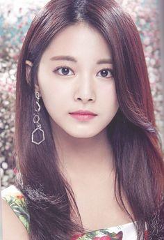 """brand new girl, Mina really stole the show imo twice. Nayeon, Kpop Girl Groups, Kpop Girls, Korean Beauty, Asian Beauty, Beautiful Asian Women, Most Beautiful, Asian Woman, Asian Girl"