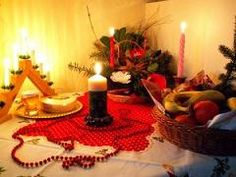 Craciunul sau Nasterea Domnului este o sarbatoare crestina celebrata la 25 decembrie (dupa calendarul gregorian) sau 7 ianuarie (dupa calendarul iulian) in fiecare an. Peste tot unde exista suflare romaneasca cu simtamant crestin, Craciunul este una din cele mai importante sarbatori religioase, este sarbatoarea Nasterii Domnului, prilej de bucurie, pace si liniste spirituala. Craciunul este o zi in care daruim si primim multa iubire si caldura sufleteasca. Acest lucru se remarca in…