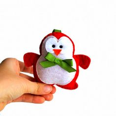 Christmas Ornament Plush Toy Red Felt Penguin  Felt por Mariapalito, $14.99