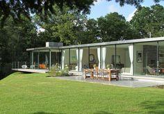 Archplan designed modernist house in Farnham