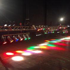 setting up the back lights ... #axelritt #the_real_ironfinger #gravedigger #worldtour #worcester