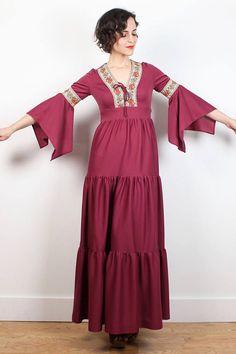 Vintage Hippie Dress Pink 70s Dress Bell Angel Flutter Sleeve Boho Laced Maxi Dress Tiered Skirt Boho 1970s Dress Festival XS S Small Dress #1970s #70s #hippie #maxi #dress #boho #bohemian #bell #scarf #flutter #angel #sleeve #festival #tiered #pink #floral #etsy #vintage