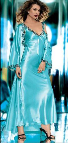 الصور المحفوظة – 15 صوره Silk Gown, Satin Gown, Satin Dresses, Pyjama Satin, Satin Nightie, Silk Nightgown, Lingerie Sleepwear, Nightwear, Vintage Lingerie