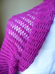 Ce modèle de boléro transformable en tour de cou - La Malle aux Mille Mailles Knitted Hats, Beanie, Knit Scarves, Points, Knitting, Fashion, Crochet Smock Tops, Boleros, Shawl