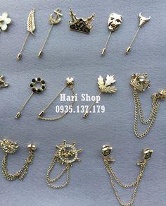 coat brooch for men Suit Accessories, Jewelry Accessories, Fashion Accessories, Jewelry Design, Cute Jewelry, Jewelry Crafts, Silver Jewelry, Collar Clips, Diy Vetement