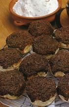 tortita negra Fun Desserts, Delicious Desserts, Dessert Recipes, Torta Asada, Argentina Food, Tapas, Cake Cookies, Scones, Macarons