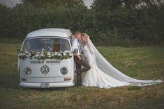 Különleges esküvő - vw t2 kisbusz virágdísszel!