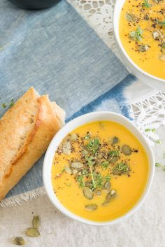 Fall Recipe for Roasted Acorn Squash Recipe. Acorn Squash Recipes Healthy, Recipe For Roasted Acorn Squash, Roasted Butternut Squash Soup, Acorn Recipe, Gourmet Recipes, Soup Recipes, Vegetarian Recipes, Healthy Recipes, Healthy Food