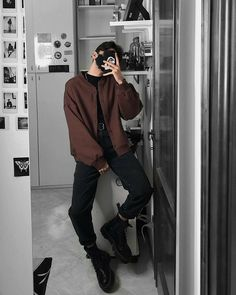 Trendy Mens Fashion, Korean Fashion Men, Stylish Mens Outfits, Cute Comfy Outfits, Edgy Outfits, Black Pants Outfit, Grey Outfit, Winter Outfits, Street Wear