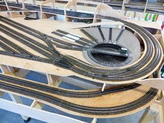 N Scale Model Trains, Model Train Layouts, Scale Models, Model Railway Track Plans, European Models, Train Table, Ho Trains, Rolling Stock, Round House