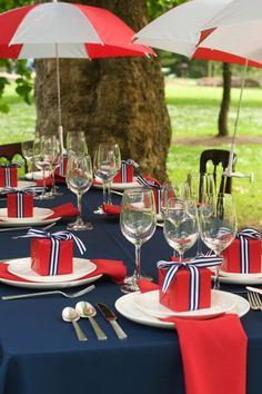 red & navy tablescape with umbrellas & grosgrain!