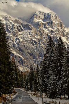 Sorapiss - La strada del Giau, una delle più belle e panoramiche dell'intero arco alpino