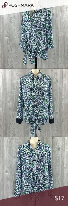 """Jones New York Signature Blouse Floral button up blouse blouse can be worn in so many different ways, ties on the front at waist, roll up tabs on sleeves and a large button up pocket on each side on the front. 27"""" Length / 22"""" Chest / 26 1/2"""" Sleeve. Size Xl Tops Blouses"""