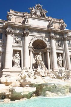 Two days to see ALL of Rome's main attractions AND Vatican City? That can't be enough time... right? Think again. See a full guide to two days in the Italian capital on While I'm Young and Skinny travel blog. Who wants to get engaged at the Trevi Fountain??
