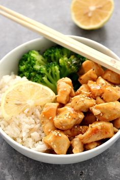 Honey Lemon Chicken Rice Bowls Recipe - quick and easy dinner idea that's better than takeout! This sweet and tangy chicken makes for a perfect meal prep.